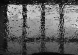 Voda a sklo